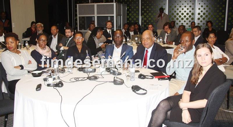 Participantes no Workshop sobre corrupção em Moçambique 2