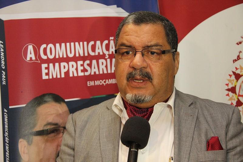 Leandro Paul autor do lívro