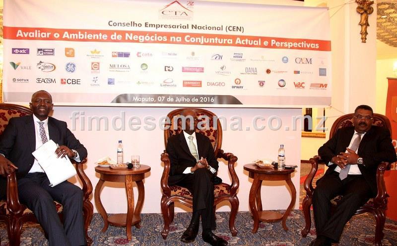 Painel que presidiu o Conselho Empresarial Nacional sob tema Avaliar o Ambiente de Negócios na Conjuntura Actual e Perspectivas