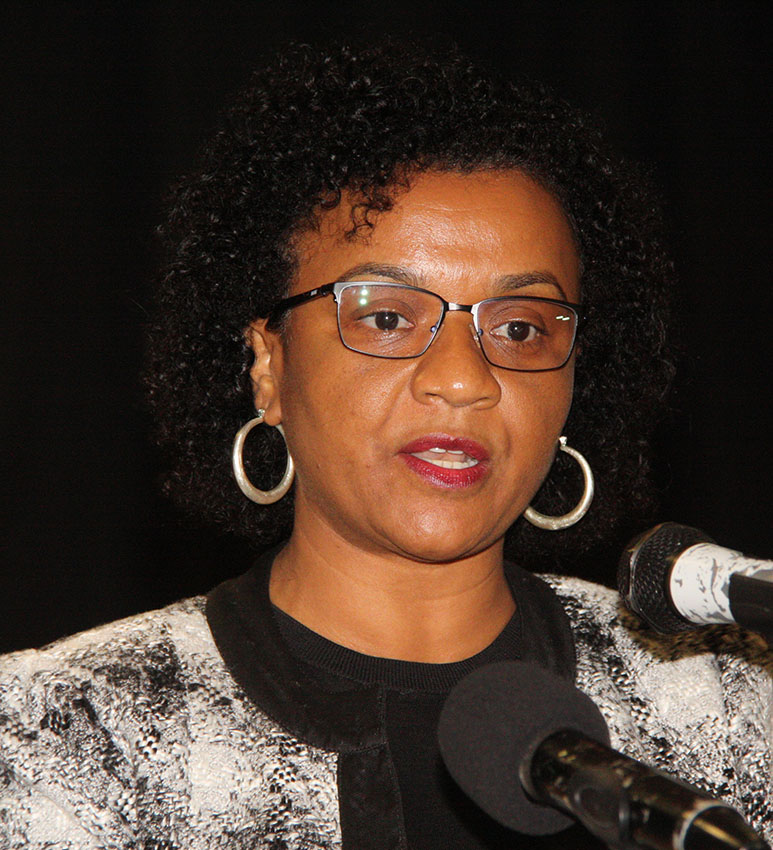 Rosânia da Silva Directora Executiva da FUNDE