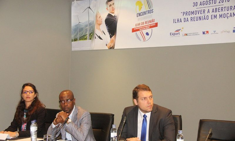 Mesa que presidiu e segunda edição dos encontros de desenvolvimento sustentável Moçambique Ilha Reunião