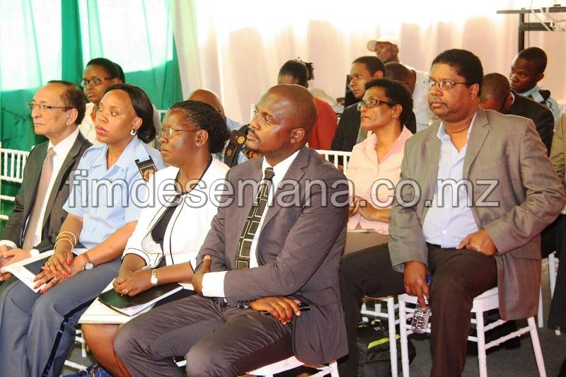 Participantes no seminário sobre a JUE