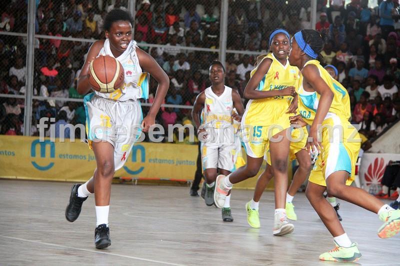 Jogo entre a Escola Secundária Francisco Manyanga e Josina Machel em femininos 2