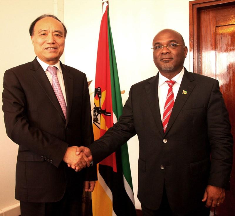 Encontro entre Secretário Geral da UIT e o Ministro dos Transportes e Comunicações Carlos Mesquita