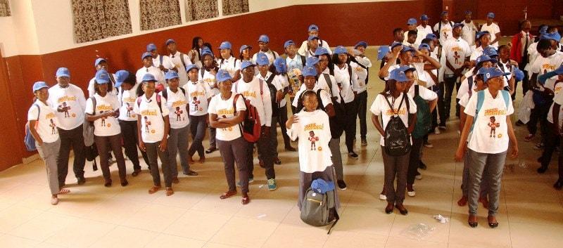 Participantes na palestra sobre a poupança promovida pelo Standard Bank