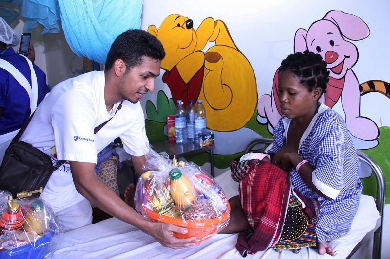 Entrega da cesta básica no Hospital Geral José Macamo