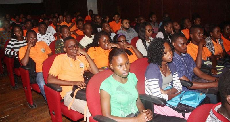 Participantes na oração de sapiência