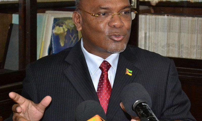 Carlos Mesquita Ministro dos Transportes e Comunicações 1