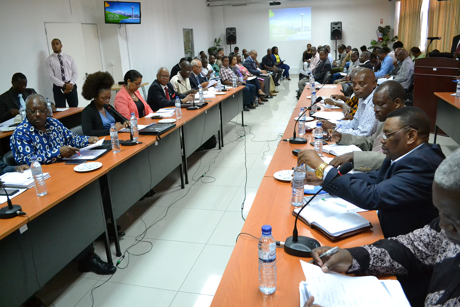 Participantes na plenária da Comissão Consultiva do Trabalho