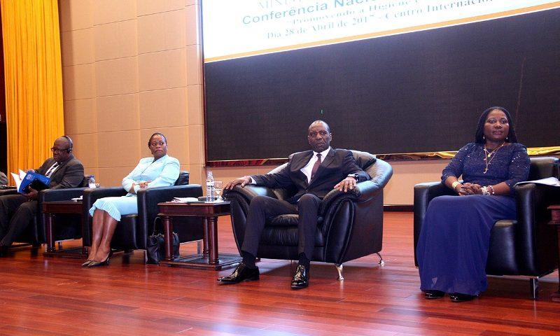 Mesa que presidiu a Conferência Nacional sobre Segurança e Saúde no Trabalho