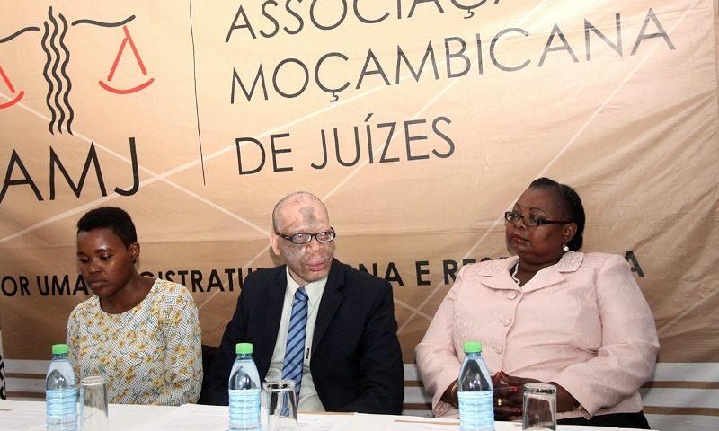 Mesa que presidiu o Fórum Nacional dos Magistrados que actuam em casos de violência doméstica