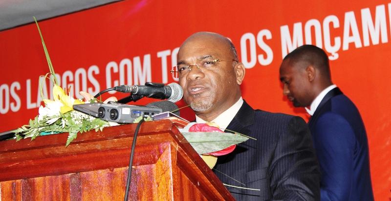 Carlos Mesquita ministro dos Transportes e Comunicações 2