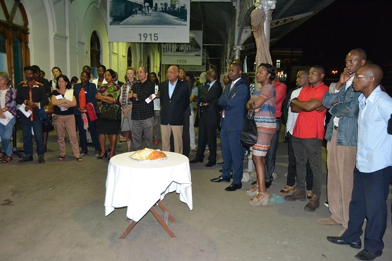 Participantes da inauguração da exposição