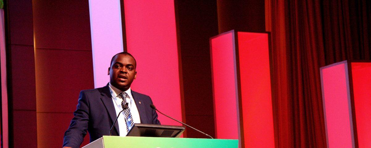 Alexandre Nhantumbo responsável pelos Canais Digitais no Standard Bank 1