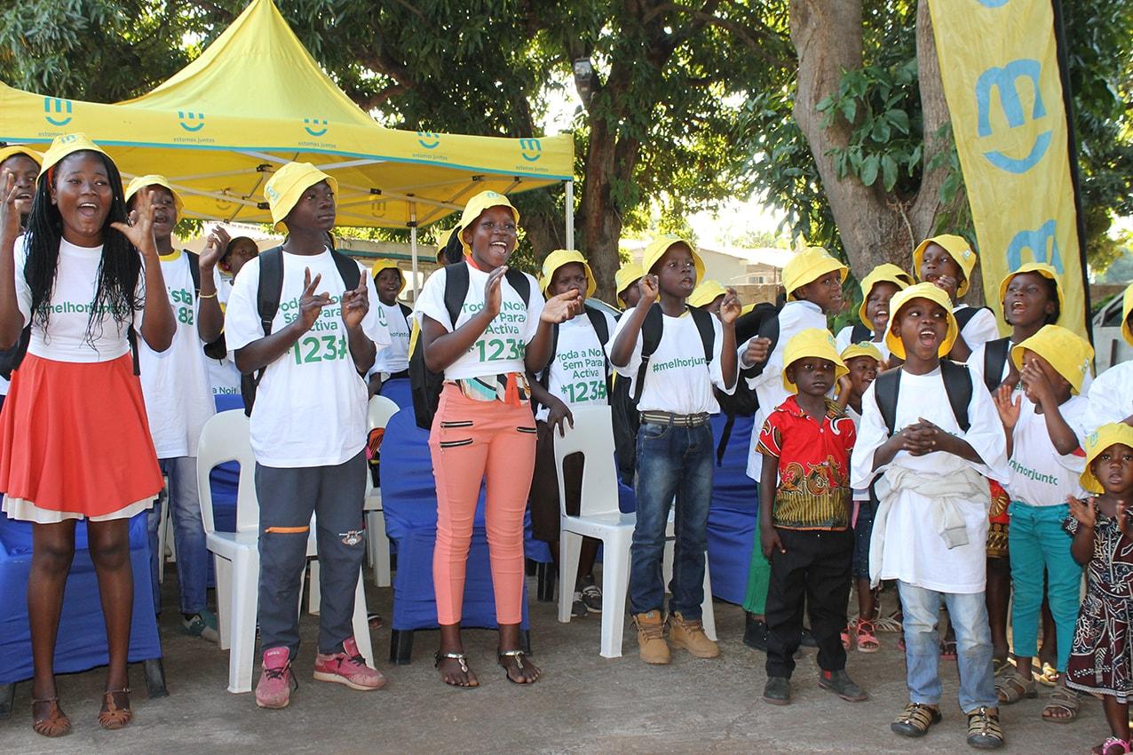 Crianças do Centro Infantil Nyelete