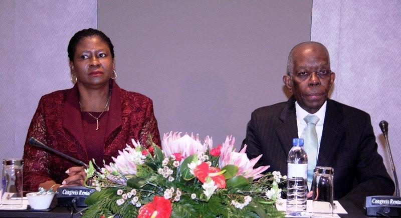 Mesa que presidiu o encontro do IGEPE