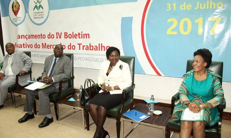 Painel que presidiu o lançamento do IV Boletim Informativo do Mercado de Trabalho