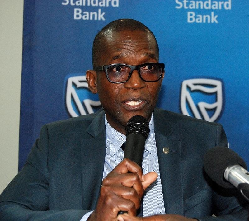Alfredo Mucavela Chefe do Departamento de Marketing e Comunicação do Standard Bank