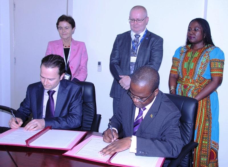 Assinatura de MdE entre a Nokia e o INEP