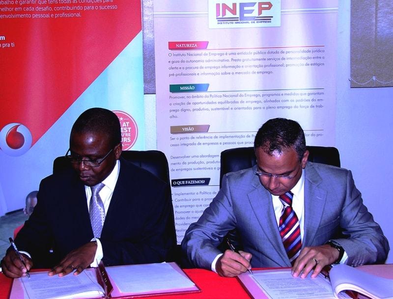 Assinatura de memorando estágios pré profisssionais entre o INEP e a ENH