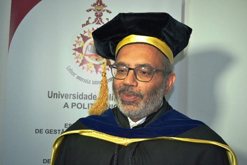 Carlos Lopes doutor Honoris Causa em Estudos de Desenvolvimento