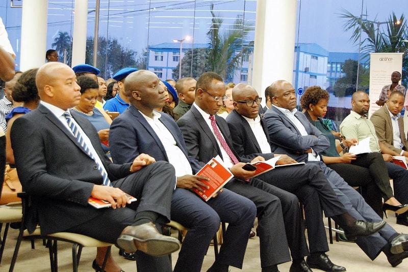 Participantes do lançamento do livro 2
