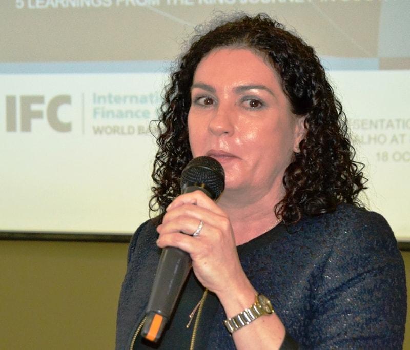 Ansie Ramalho consultora sénior de governação corporativa na África do Sul