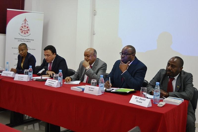 Moderadores da conferência de direito fiscal internacional de Moçambique 2