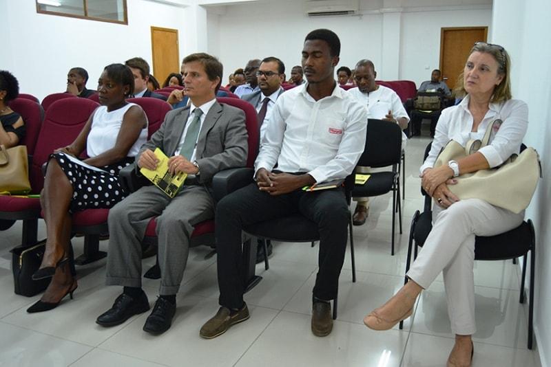 Plateia a I conferência de direito fiscal internacional de Moçambique