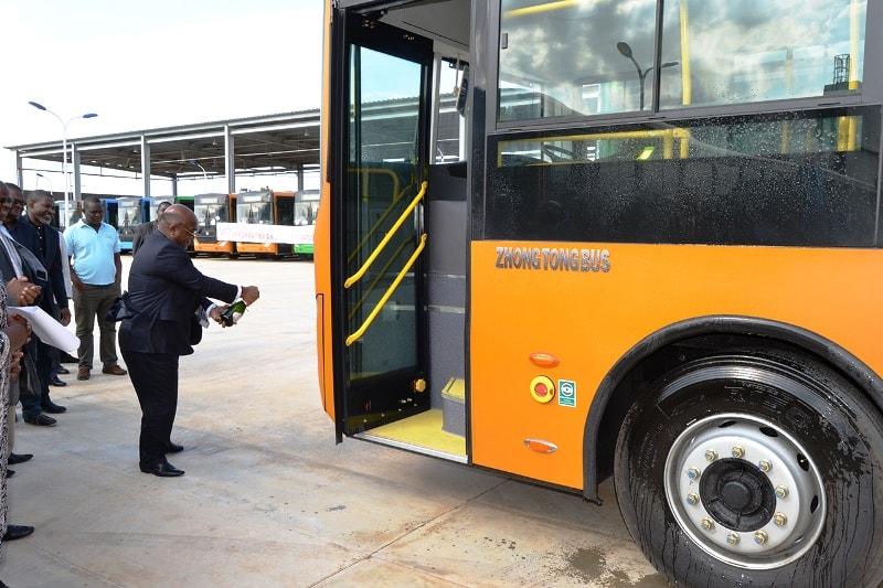 Acto que marca a recepção dos autocarros min