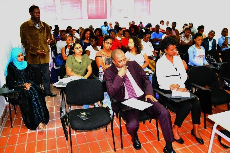 Participantes na palestra sobre violência doméstica