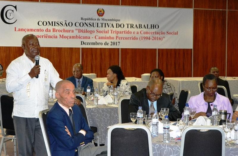 Participantes intervindo na IV Sessão Plenária da CCT