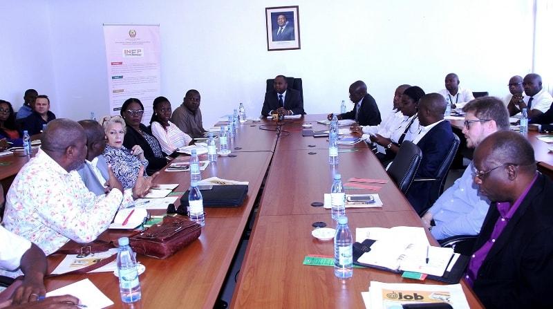 Mesa que presidiu o encontro com os representantes das Agências Privadas de Emprego