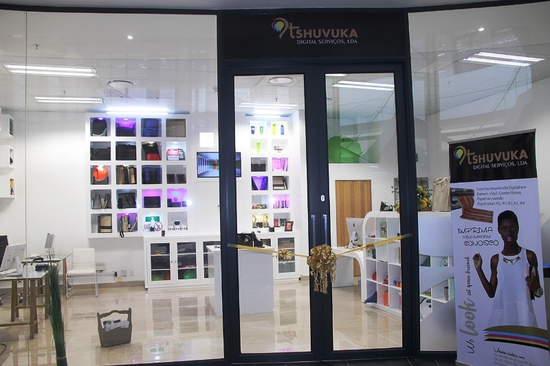 Parte frontal da loja inaugurada
