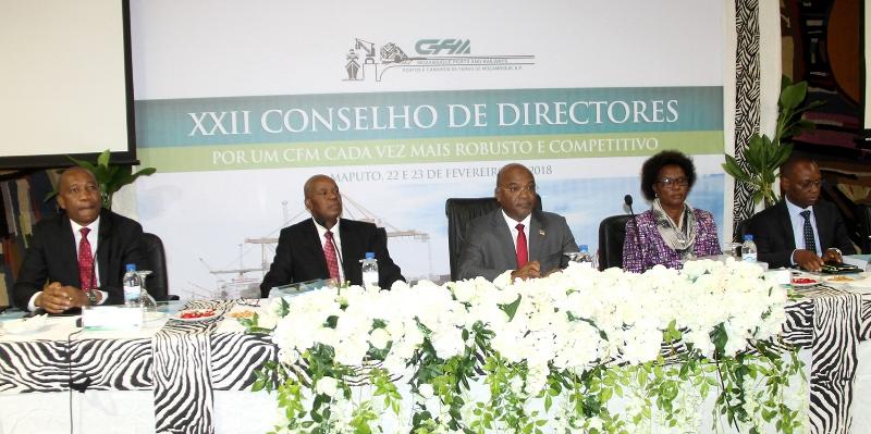 Mesa que presidiu o XXII Conselho de Directores da CFM