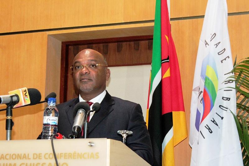 Carlos Mesquita ministro dos Transportes e Comunicações 4