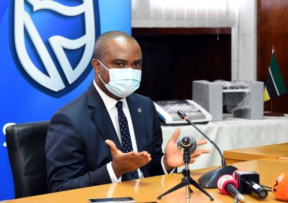 2 Chuma Nwokocha administrador delegado do Standard Bank