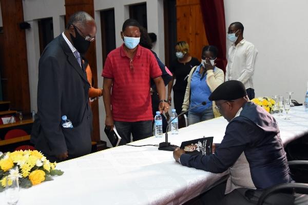 Assinatura de autografos 1