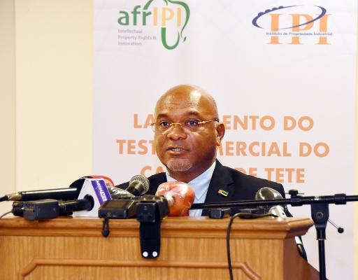 Carlos Mesquita ministro da Industria e Comercio 1
