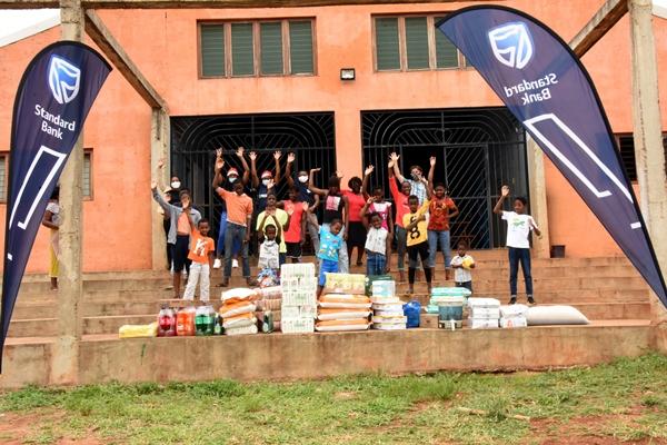 Foto de familia no Orfanato All Nations
