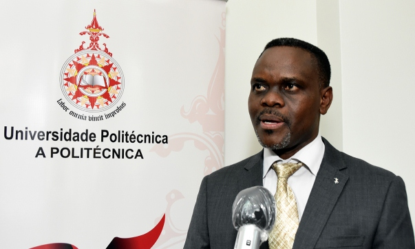 Cristiano Macuamule vice reitor da Universidade Politecnica