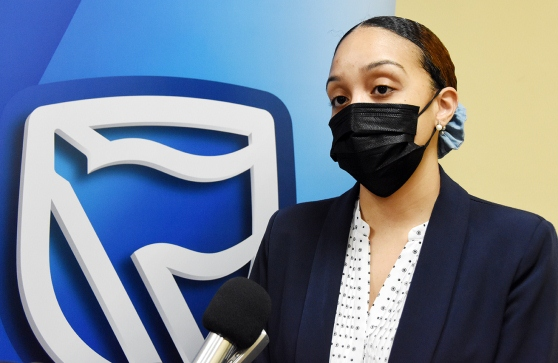 Adelina Nunes colaboradora do Standard Bank